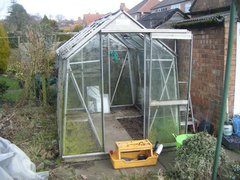 How to dismantle a greenhouse